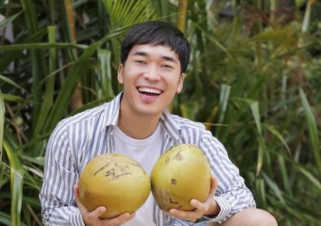 三亚旅行:在五星级酒店摘椰子,鲜美多汁,竟然还可以当保龄球玩