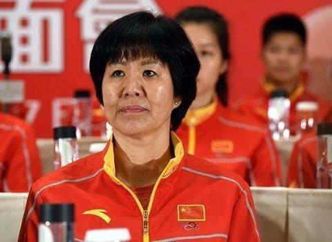 中国女排传喜讯,郎平再获重用,携手好姐妹李琰为国贡献力量