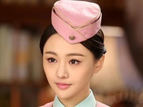 """五位女演员""""空姐""""照片:王鸥妖娆,张天爱标致,而她是最惊艳的"""