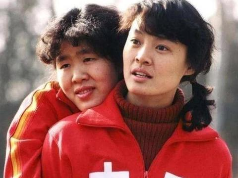 中国女排唯一5冠王的传奇,比郎平更猛,身价过亿女儿是清华博士