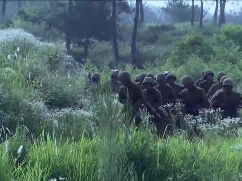 日军欺负新四军装备垃圾,不料国军精锐及时赶到,鬼子瞬间被团灭