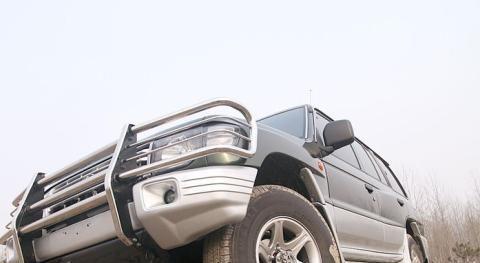 黑金刚日系换标车,2.4L四缸自吸发动机,飙到15升
