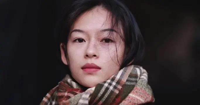 越南模特似翻版章子怡,气质美貌如双胞胎,看着像失散多年的姐妹