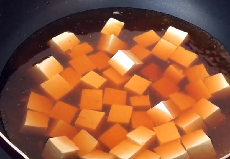 麻婆豆腐原来这么简单,多加这2个步骤,味道正宗一点也不输饭店