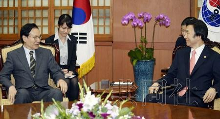 韩日关系恶化韩国防白皮书对日从伙伴改称邻国