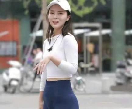 打底裤这样穿搭,精致显瘦,搭配出甜美时尚感