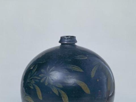 北方瓷器独有的纹饰装饰,黑釉铁锈花