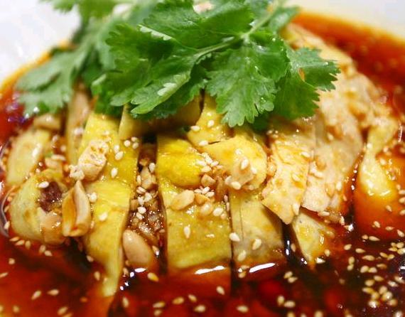 精选美食:凉拌花生芹菜、皮蛋豆腐、香辣口水鸡、芝士厚蛋烧做法