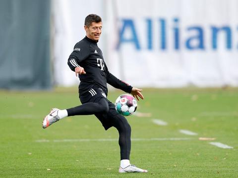 近6个赛季莱万为拜仁打进250球,超越梅罗排名五大联赛之首