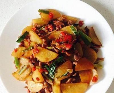 精选美食:花甲冬瓜汤,鸡蛋煎豆腐,土豆片炒鸡胗,芹菜炒肉图3