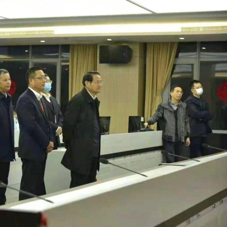 江西省省长易炼红走访慰问中国铁塔江西分公司