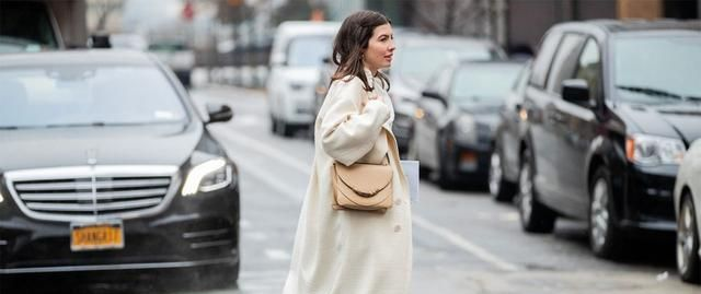 纽约时装周上不少潮人亦换上轻盈春装还提供了一些春季配色灵感图2