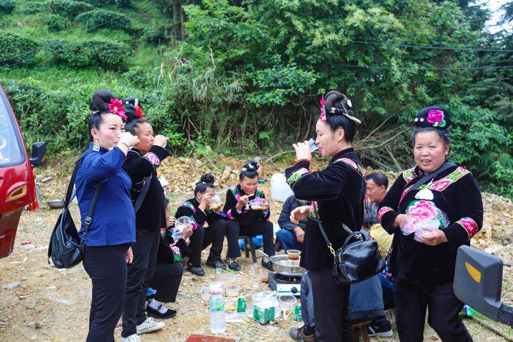 去贵州旅游看到真实的爬坡节,人山人海、热情好客,你去过吗图2