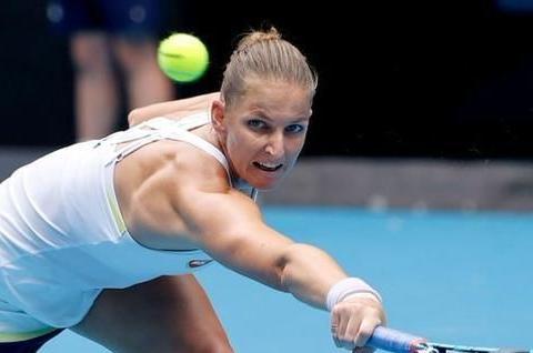 澳网前女单一姐摔球拍被扣分 段莹莹搭档前大满贯冠军混双一轮游