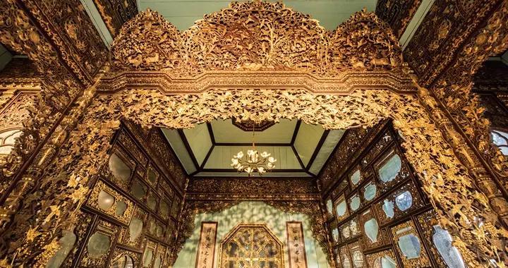 """佛山旅行发现""""金楼"""",屏风窗户门框像金子制作的,价值无法估量"""