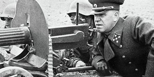 二战斯大林格勒战役,北线和中路德军为何不增援南线?自顾不暇