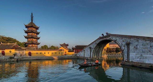 苏州又一古镇走红,被称为太湖中央的一颗明珠,古韵悠悠小桥流水