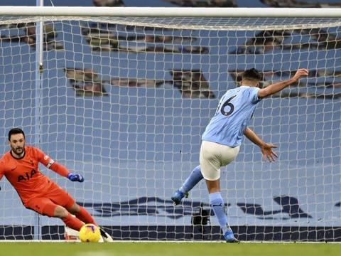 理查兹:罗德里找到了合适的位置 坎塞洛将边后卫踢出另一种感觉