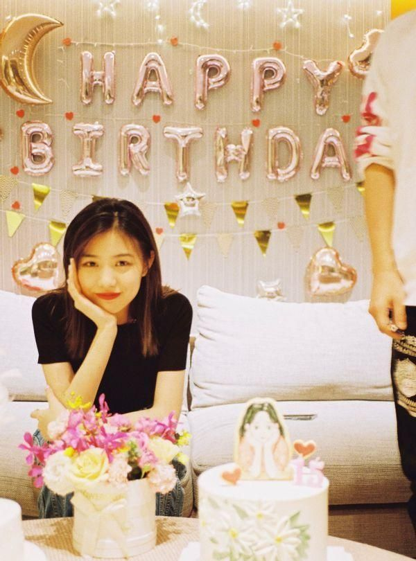 汪峰15岁女儿罕晒照!小苹果继承模特生母高颜值,长成韩系美少女