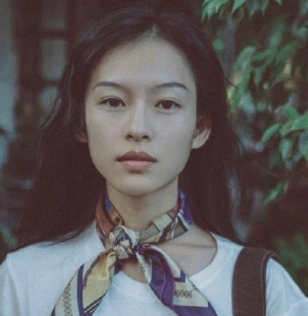 越南模特似翻版章子怡,气质美貌如双胞胎,关键是身材也迷人图1