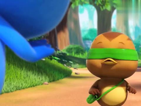 萌鸡小队:欢欢不小心滑倒,一身苍耳子,被当做怪兽!