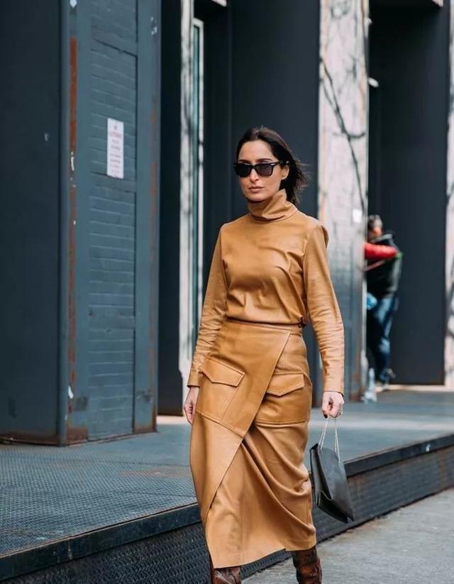 纽约时装周街拍,有质感又有高级感,瞬间被这件单品刷屏了图2