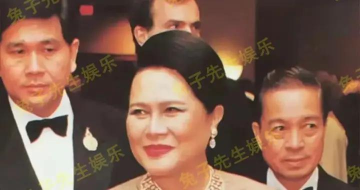 苏提达心高气傲,看不上诗丽吉老一套珠宝,自制绿宝石项链展风采