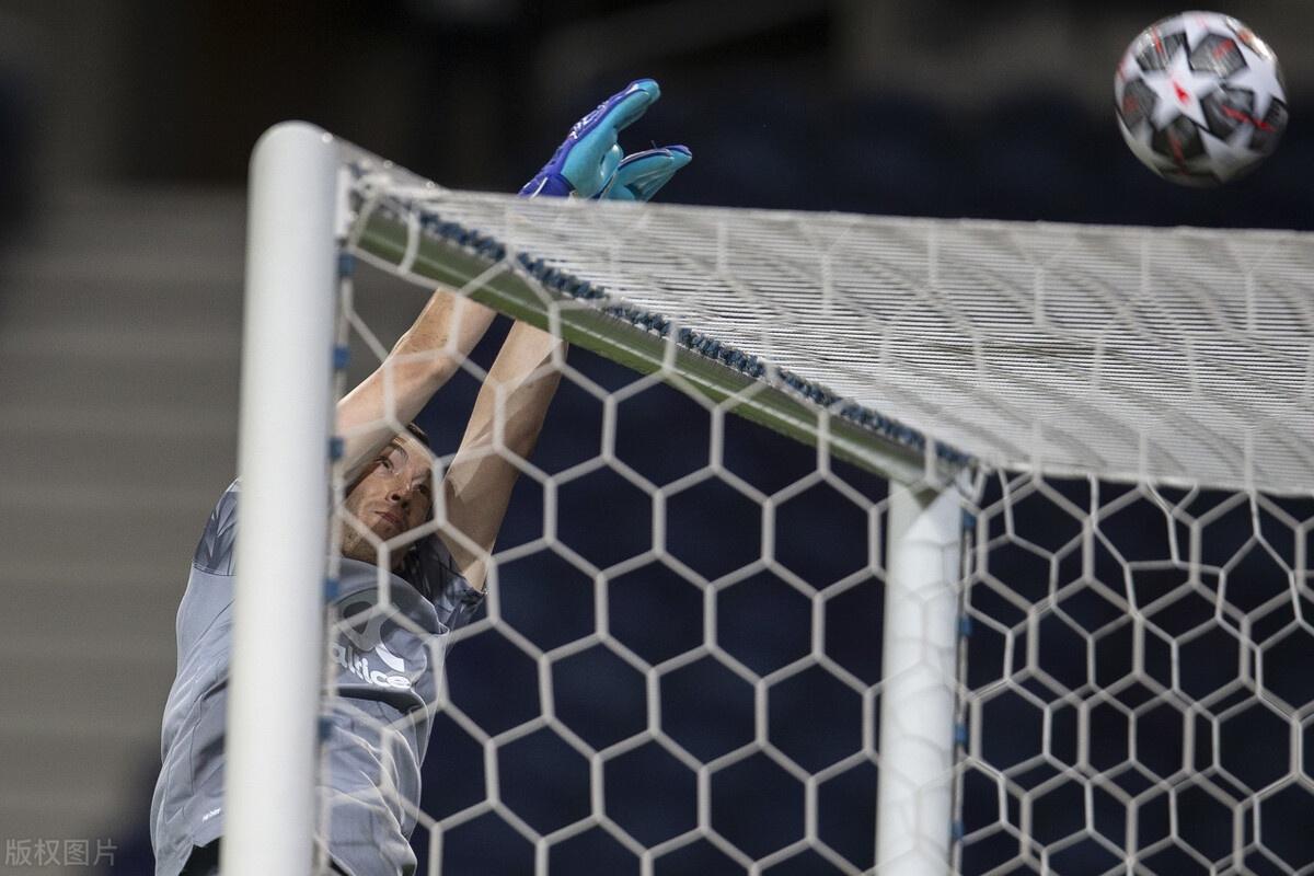 欧冠-本坦库尔失误送礼基耶萨破门 首回合尤文客场1比2波尔图