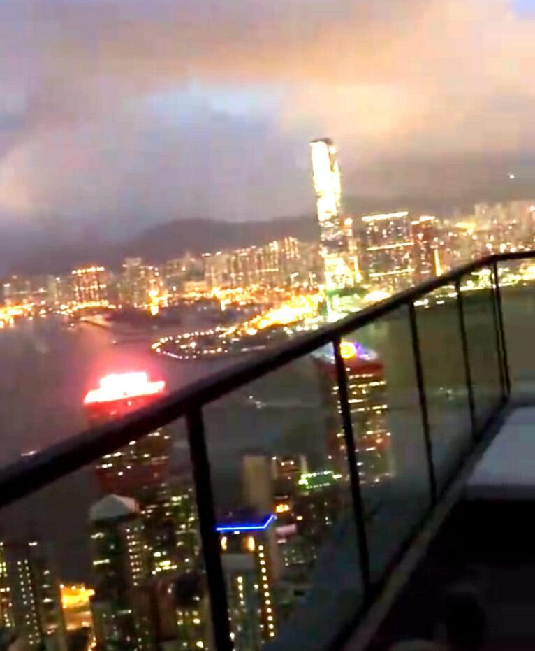 纪晓波妈妈豪宅招待宾客,意外曝光这就是吴佩慈名下的4亿物业!