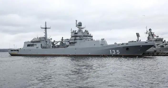 俄琥珀造船厂:大型登陆舰量产周期可缩短至28个月