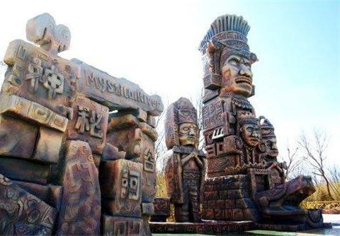 玛雅人在2000年前留下二维码?游客好奇扫了一下,后来扫出了啥?