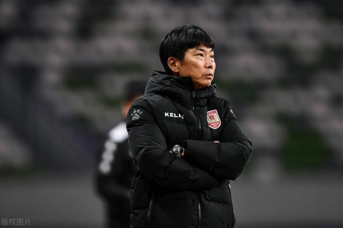 他曾是李铁辽足队友,三十岁就退役转型当教练,如今终成本土名帅