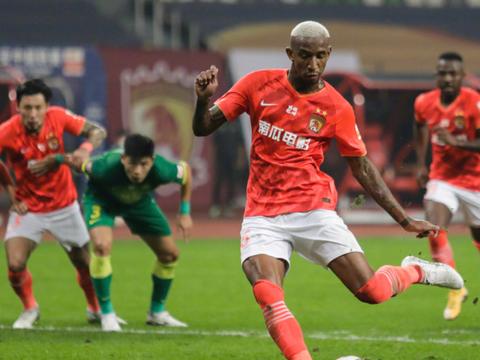 广州足球队正在进行第二阶段冬训,保利尼奥与塔利斯卡还没归队