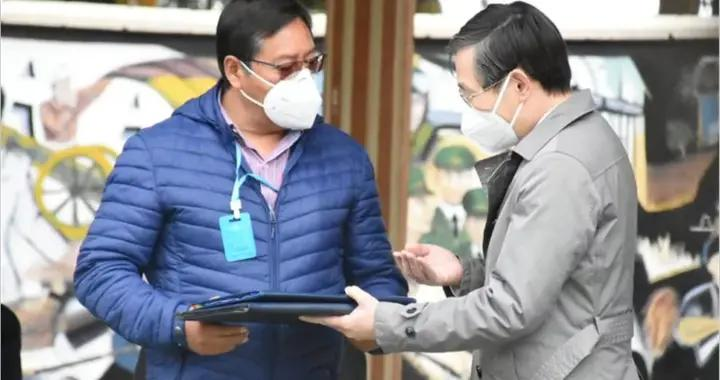 中国向玻利维亚捐200万只口罩及移动野战医院等物资