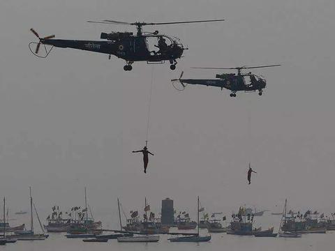 印度军火要靠租赁,海军直升机不买,全靠租省钱为先