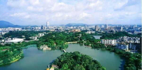"""武汉的东湖风景区,被称为""""白云黄鹤的地方"""",旅游观光的好去处图3"""
