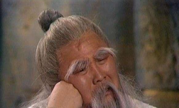 周伯通精通九阴真经吗?为什么他会和金轮法王打平手呢?