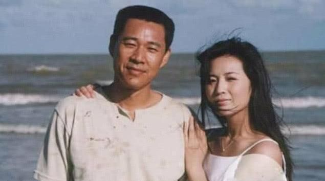 张丰毅再婚后,对继女比亲儿子还好,只因为儿子长得不像自己?