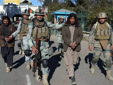 """塔利班武装誓言""""每晚进行袭击"""",直到美国人彻底滚出阿富汗去"""