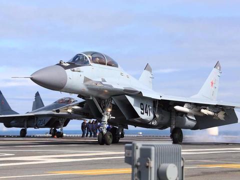 俄海军为何放弃重型苏-33舰载机,选择短腿的米格-29K舰载机呢?