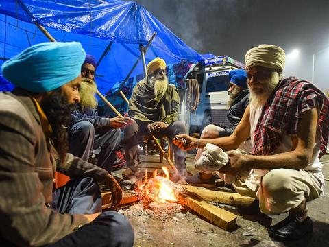 """印度政府对""""农民起义军""""用损招,厕所都关闭"""