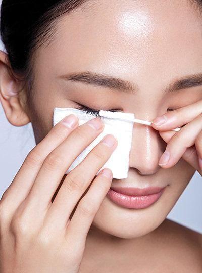 2号站平台注册 给眼部补水去皱纹细纹,这些眼部护理一定要做到位!