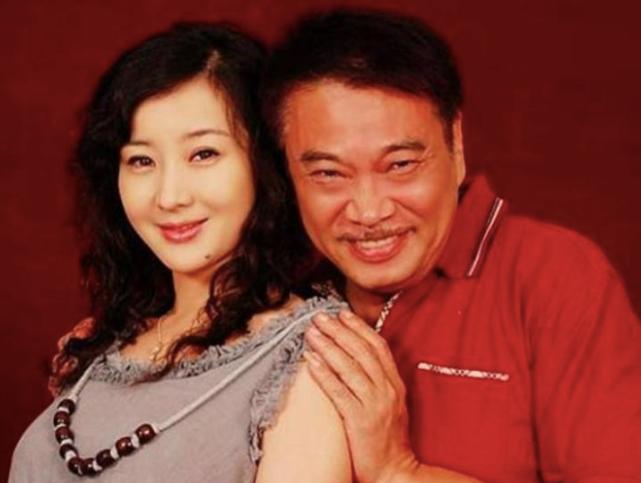 68岁吴孟达被曝患肝癌!经历3段婚姻抚养5个子女,如今已立好遗嘱