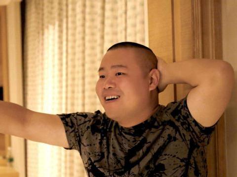 岳云鹏现实中的家:从小家庭就很贫苦,如今家里还保留烧柴的灶头