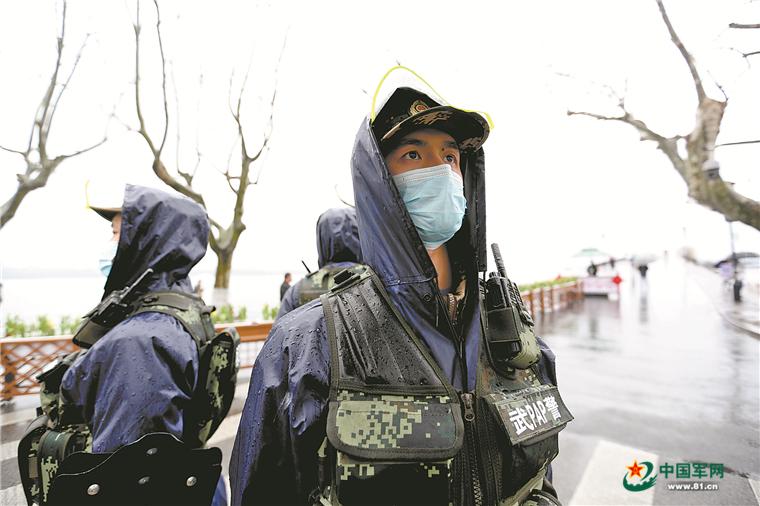 连线武警浙江总队杭州支队某中队:断桥边那些绿色的身影