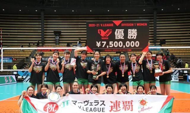 中国女排警惕!日本女排联赛落幕,这两个美国球员打嗨了