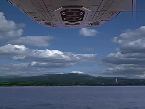 迪迦奥特曼:机器人飞入水底,合体成一个巨人,大谷也落水了