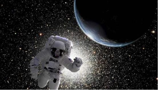 宇航员在太空飞行时,遇到一道神秘绿光,NASA极力隐瞒