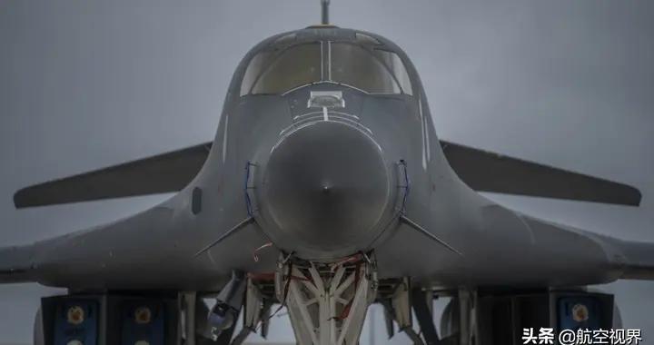 美空军战略核轰调转枪口,首次部署俄北方后院,拜登出手就是重拳
