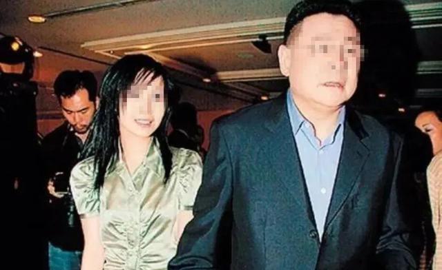 """十年宫斗输给了甘比,撬闺蜜墙角的吕丽君为何离""""刘太""""只差一步"""